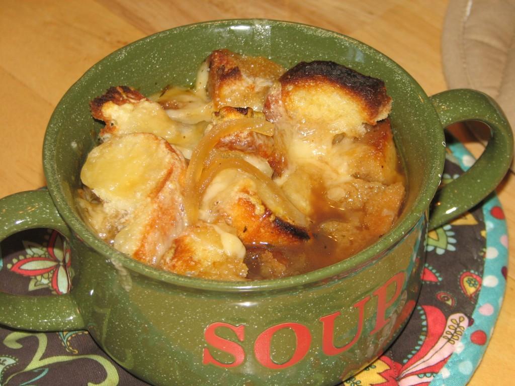 French onion soup recipe a perfect fall comfort food a moms take french onion soup recipe a perfect fall comfort food forumfinder Images