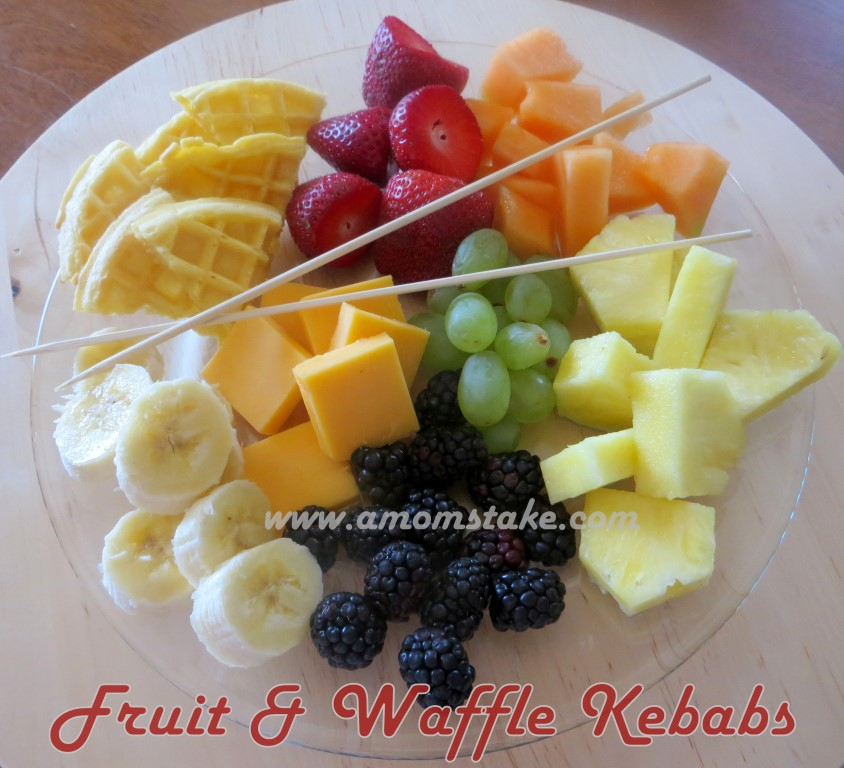 Learn colors, shapes, or make patterns with Fruit Kebabs for Kids! #Food #Recipes #Kids