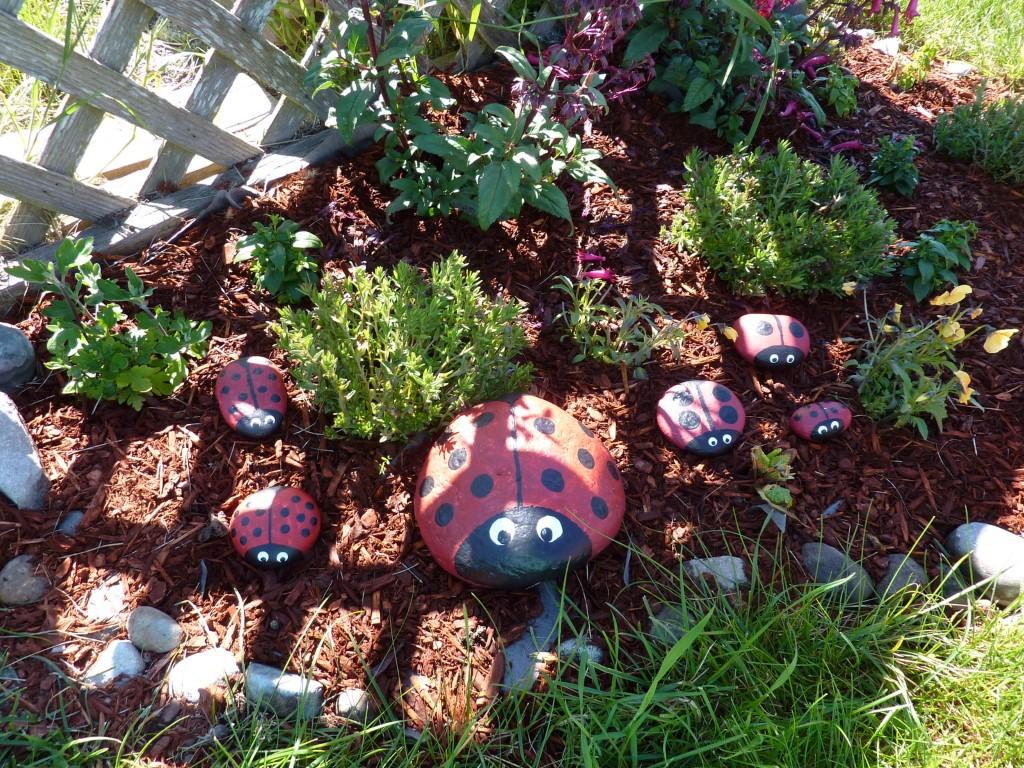 DIY Garden Ladybugs