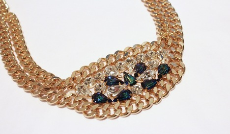 Swarovski-Drop-Necklace-Studio-2