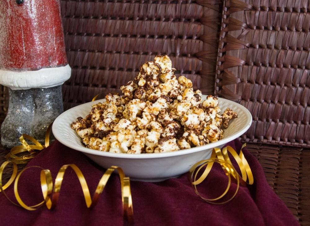 Peanut Butter Crunch Popcorn