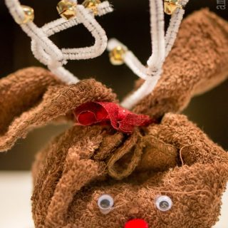 Reindeer Towel – Easy Homemade Christmas Gift