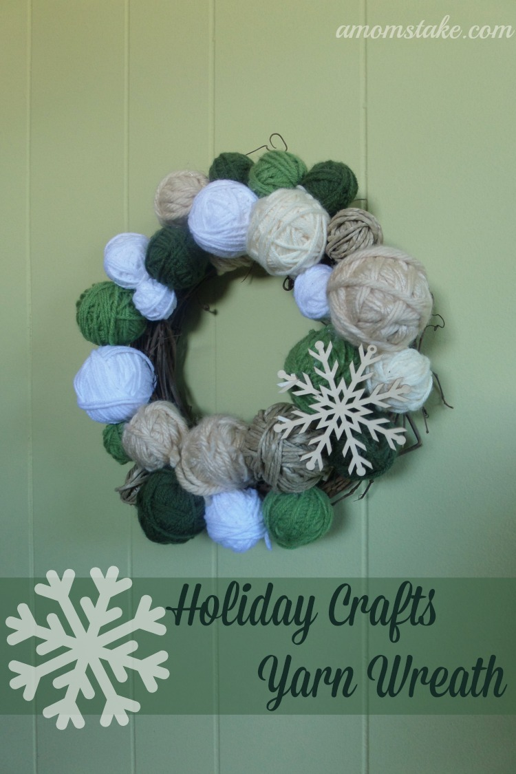 Holiday Crafts - Yarn Wreath