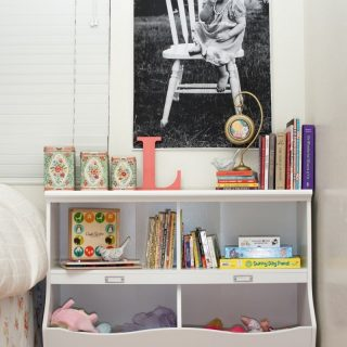 3 Steps For Styling a Shelf