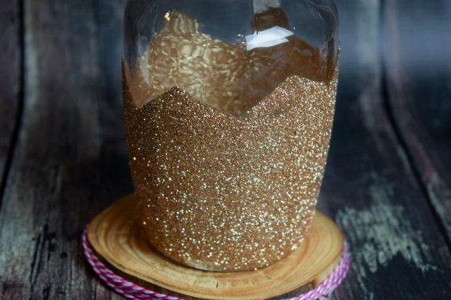 DIY Gold Chevron Glitter Vase centerpiece