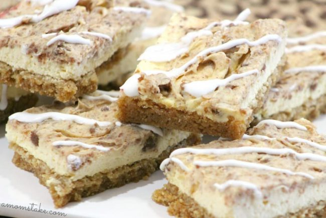 Yummy cinnamon roll inspired cheesecake bars! A perfect treat recipe for brunch or Easter!