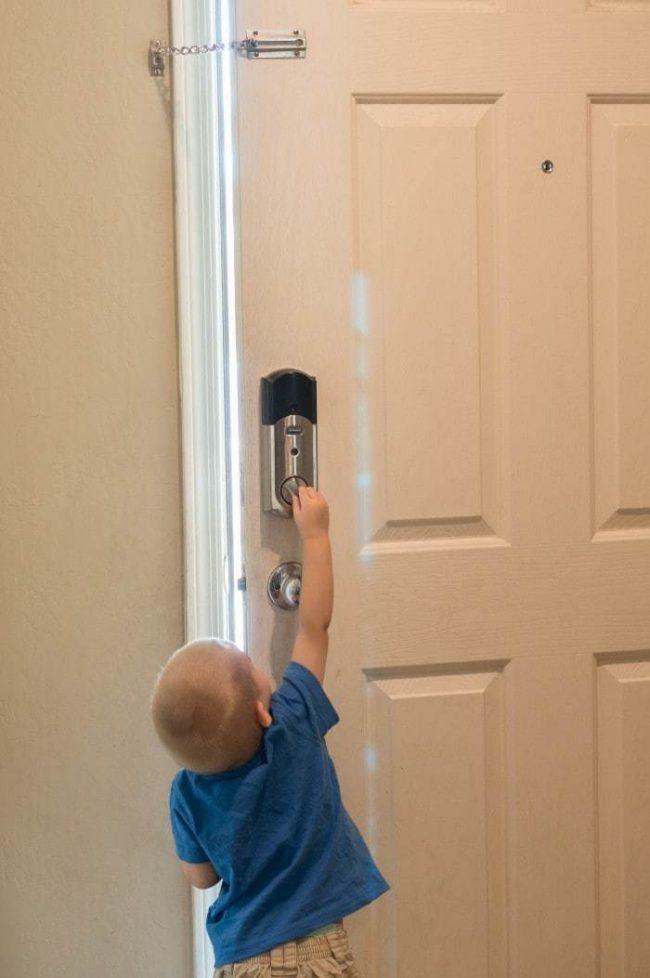 Babyproofing07852