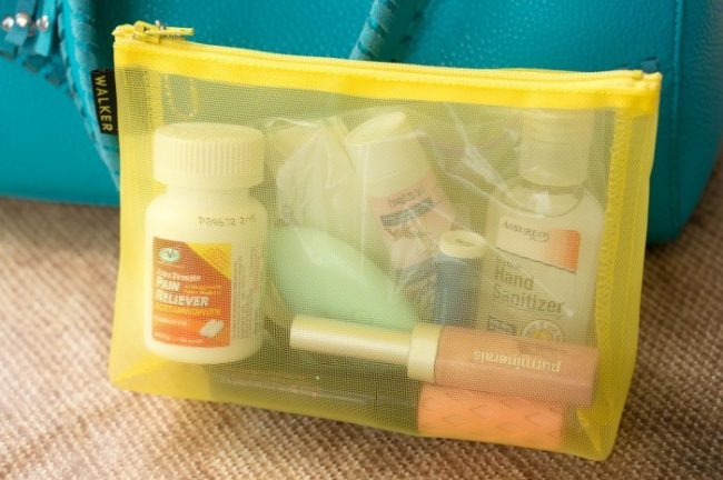 on-the-go-ready-whats-in-my-bag08259