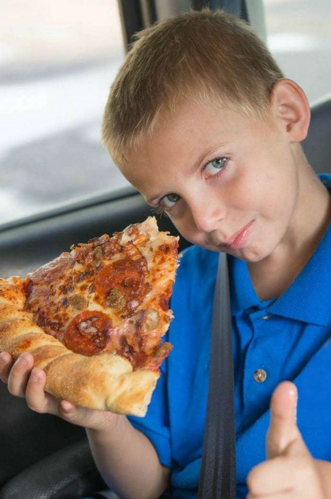 road-trip-boredom-busters-pizza