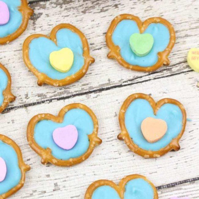 conversation-heart-pretzels9388