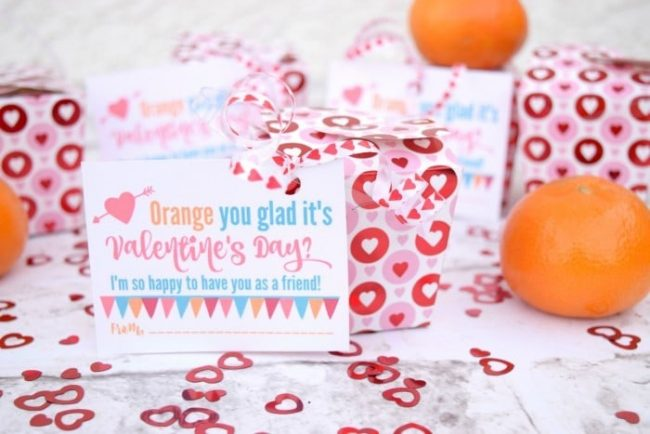 Valentines Day treat boxes and printable Valentines