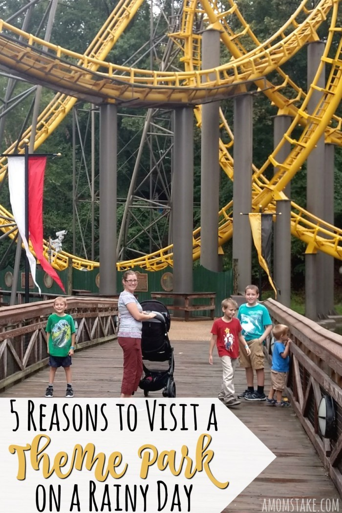 Love roller coasters and theme parks? Don't hesitate to visit a theme park on a rainy day! There are some great reasons you'll actually experience much more of the park when it's wet outside!