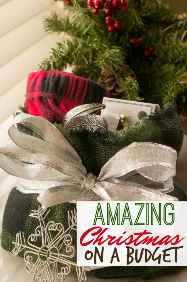 4 tips to have an amazing Christmas without spending a fortune and sticking to a budget! #christmas #budget #shopping #holidayshopping #christmasgifts #gifts #giftsforher #giftsforhim
