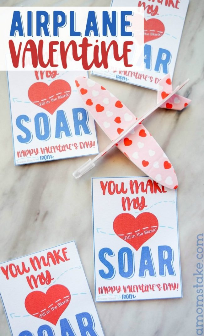 Grab this adorable airplane valentine with a free printable! #valentine #valentinesday #vday #valentinecards #printable #airplane